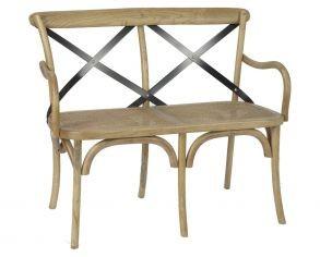banco-de-madera-con-respaldo-de-metal-negro